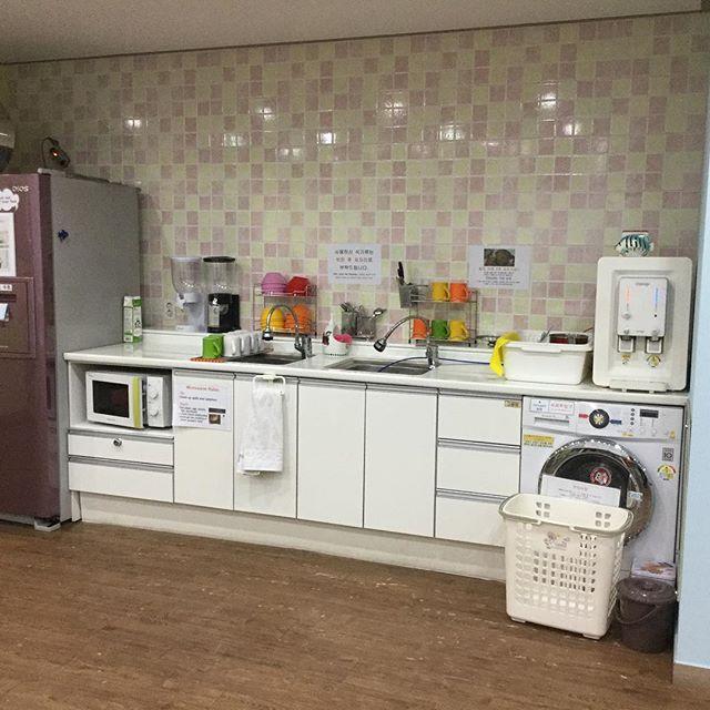 ▲浄水器、洗濯機、電子レンジ、冷蔵庫が完備