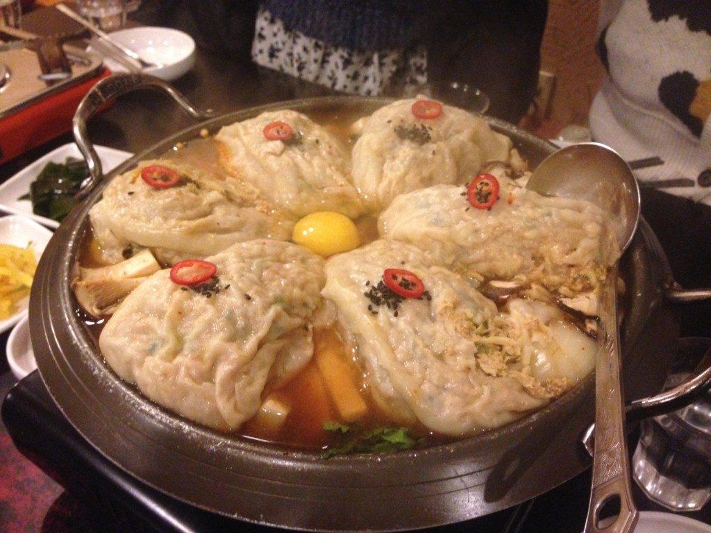 ▲만두전골(マンドゥジョンゴル/餃子鍋)