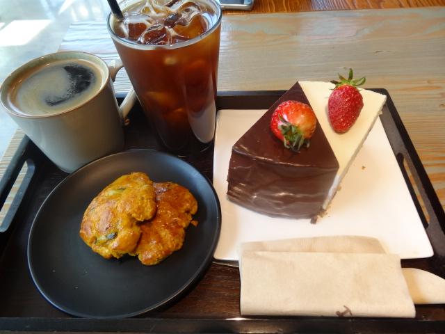 ▲ケーキとコーヒー