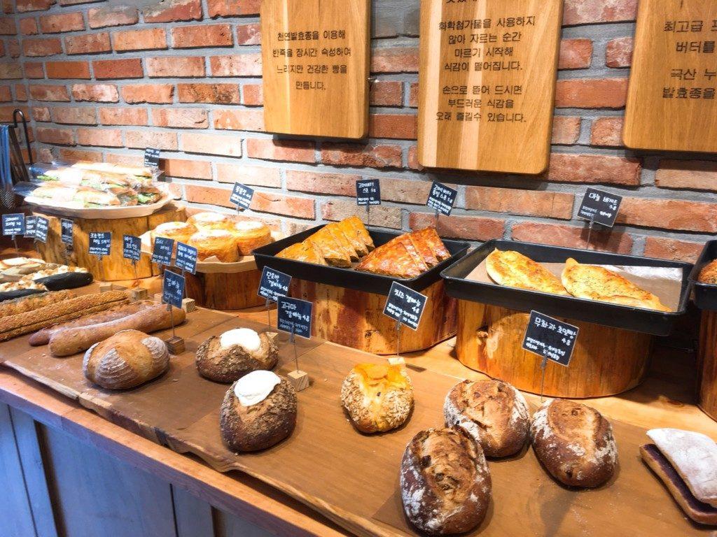 ▲釜慶大学にあるバゲット専門パン屋さん