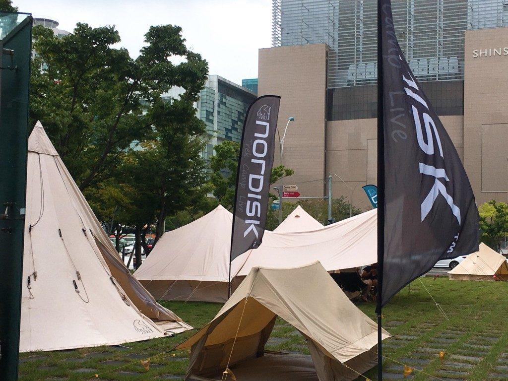 ▲キャンプテント展示